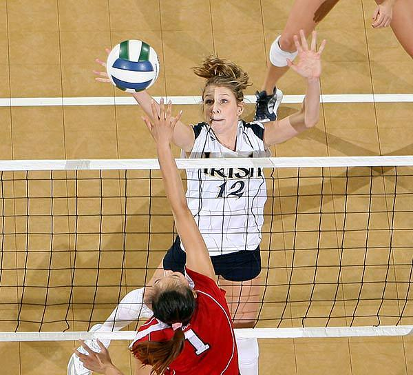 Senior All-American MB Lauren Brewster led all players with eight blocks and 20 points and also posted a team-high 15 kills.