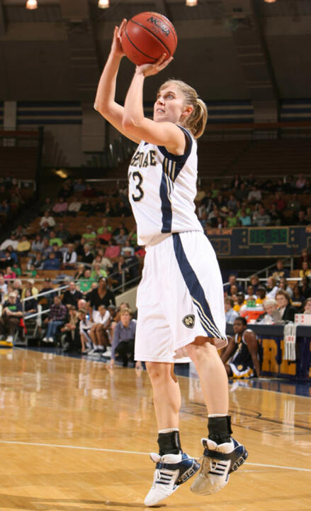 Recently-departed Notre Dame All-America point guard Megan Duffy will make her professional debut Tuesday night when her Minnesota Lynx open their 2006 WNBA season by playing host to the Connecticut Sun at 9 p.m. (ET) at the Target Center in Minneapolis. The game will be televised nationally by ESPN2.