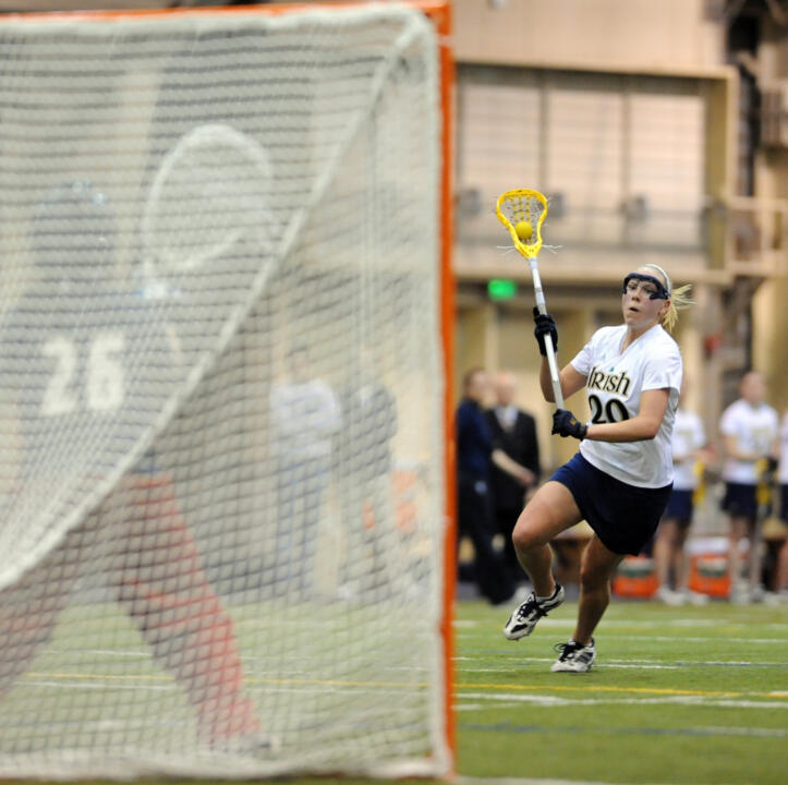 Freshman Shaylyn Blaney scored two goals in the final five minutes to give Notre Dame a 14-13 win over Hofstra.