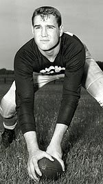Former Notre Dame consensus All-America center/linebacker Jerry Groom passed away late Friday in Sarasota, Fla., at the age of 78.