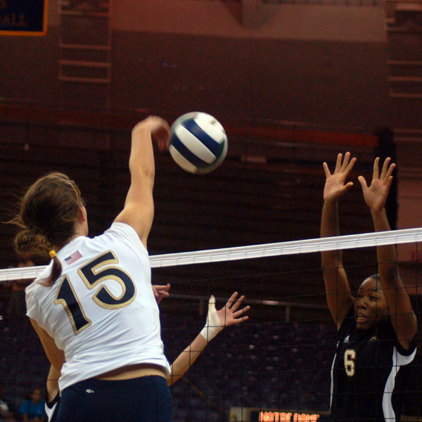 Kristen Dealy had 13 kills and 13 digs Friday at USF.
