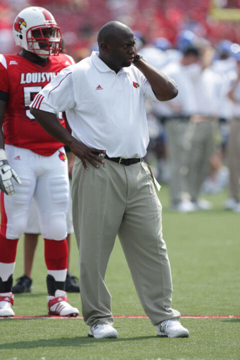 Tony Alford Named Notre Dame S Running Backs Coach Notre Dame Fighting Irish Official Athletics Website
