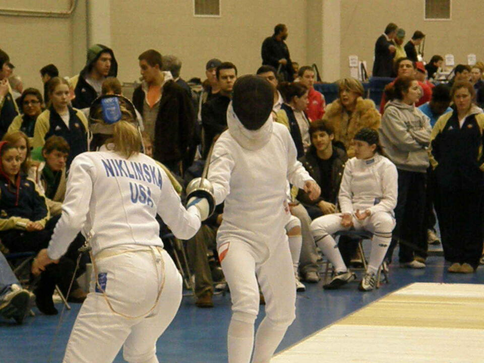 Ewa Nelip takes on Joanna Niklinska in what proved to be the title-clinching bout for the Irish in women's epee.