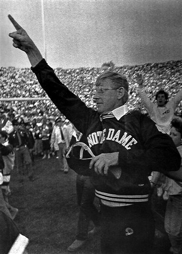 Head coach Lou Holtz, who led Notre Dame to 100 victories and was the architect of the program's 1988 national championship season, will be enshrined in the College Football Hall of Fame in South Bend on Saturday.