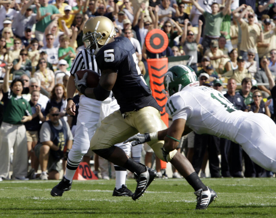 Armando Allen crosses the goal line to score Notre Dame's first touchdown against Michigan State on Saturday, Sept. 19.