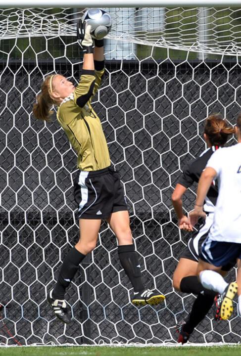 Senior goalkeeper Kelsey Lysander has a 34-3-0 record and an 0.70 goals-against average in 51 career games (39 starts) at Notre Dame