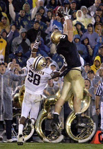 Kyle Rudolph catches the key go-ahead touchdown for Notre Dame late in the fourth quarter against Washington.