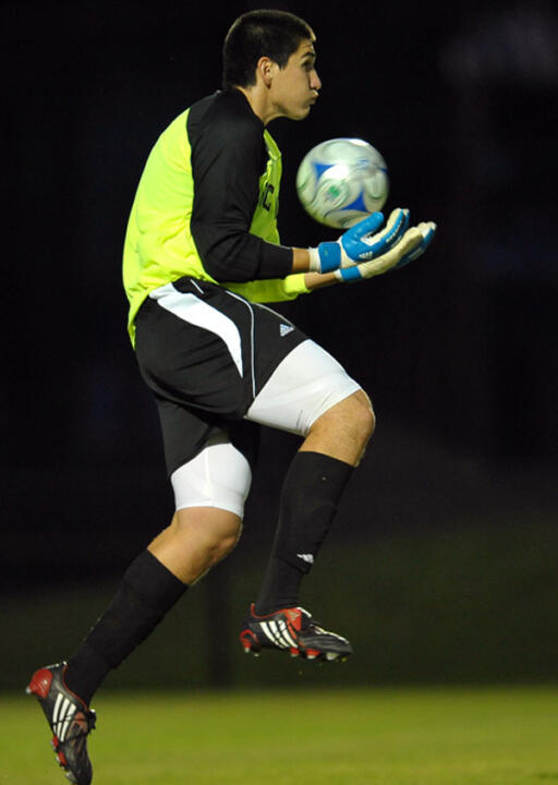 Senior goalkeeper Andrew Quinn made four saves in Notre Dame's 2-1 win over Green Bay on Thursday in the NCAA first round.
