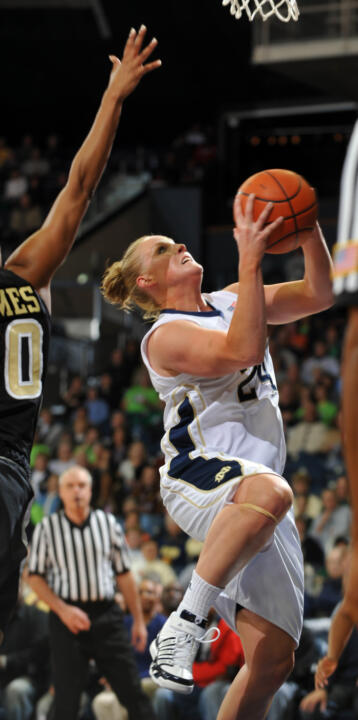 Senior guard Lindsay Schrader is averaging 12.0 points and 6.0 rebounds with a team-high .579 field goal percentage in Notre Dame's first two games at this year's Paradise Jam.