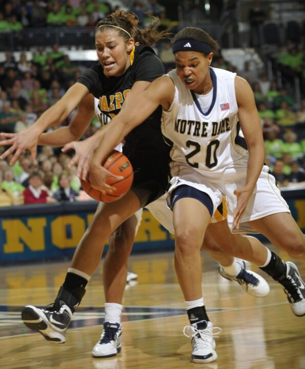 Senior guard/tri-captain Ashley Barlow ranks fourth in the BIG EAST with 2.8 steals per game, helping Notre Dame rank fourth in the nation as a team with 14.7 steals per game.