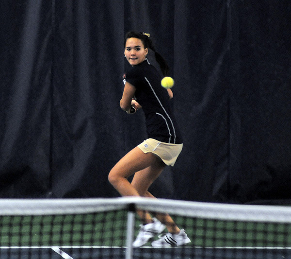 Kristy Frilling improved to 8-0 with a win over No. 12 Maria Mosolova Sunday.