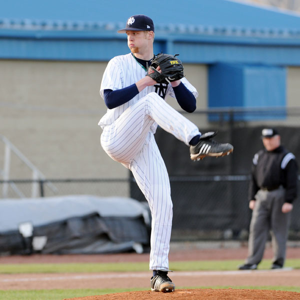 Sophomore Ryan Richter picked up his first victory of the season on Tuesday night.
