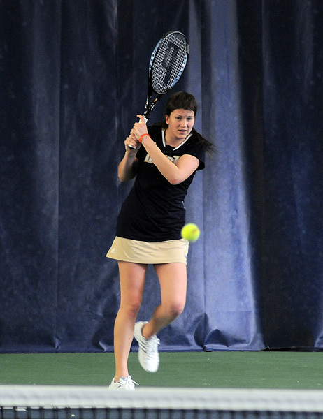 Kali Krisik won her 10th singles match of the season against Texas A&M.