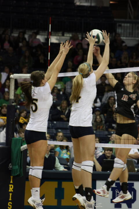 Kristen Dealy (left) and Hilary Eppink (right) look to add a few more blocks - and wins - to Notre Dame's total this weekend.