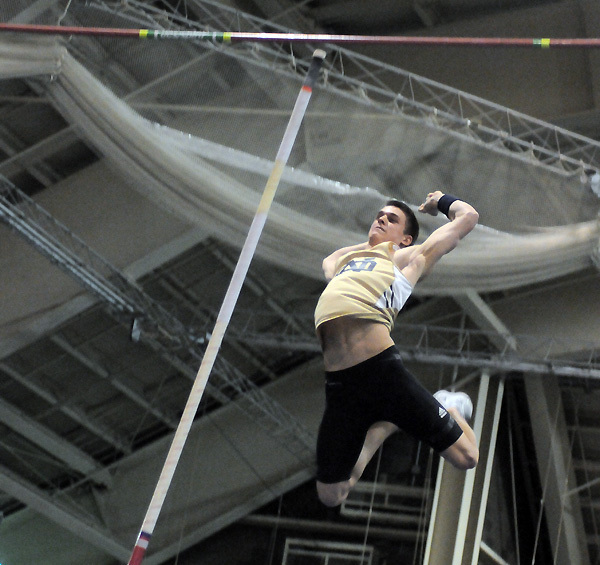 Kevin Schipper (pictured) placed first (4.85m) in the pole vault.