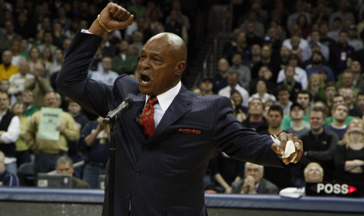 Austin Carr wraps up his speech after the Ring of Honor presentation with the traditional 'Go Irish'!