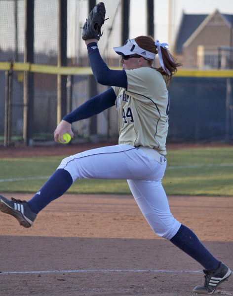 Laura Winter had a win and a save for Notre Dame during a two-game sweep of Syracuse.