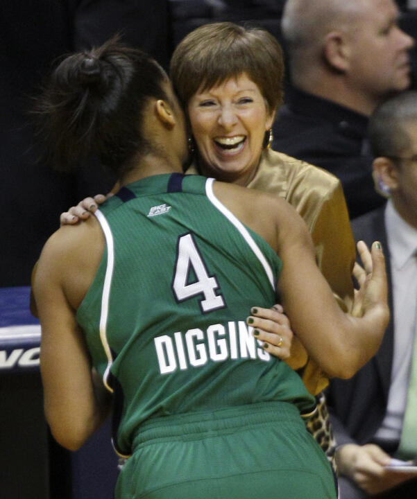 Skylar Diggins and the Irish seek to hand Muffet McGraw her second national title.