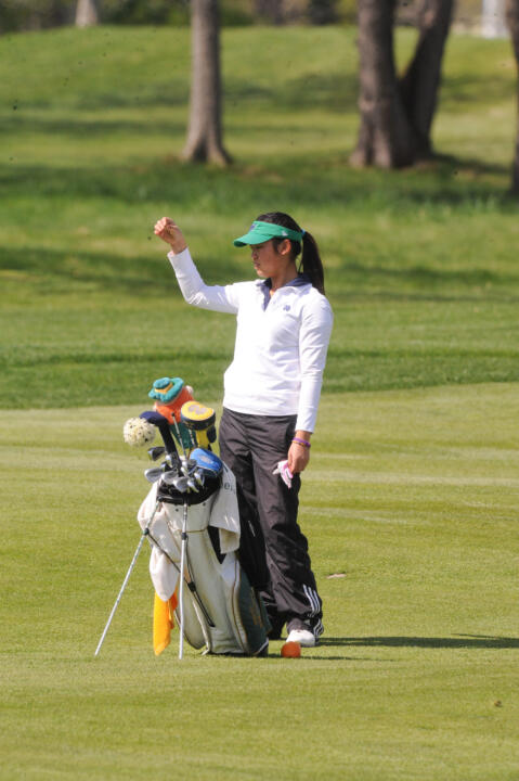 Freshman Kristina Nhim carded a 76 (+4) in the first round.