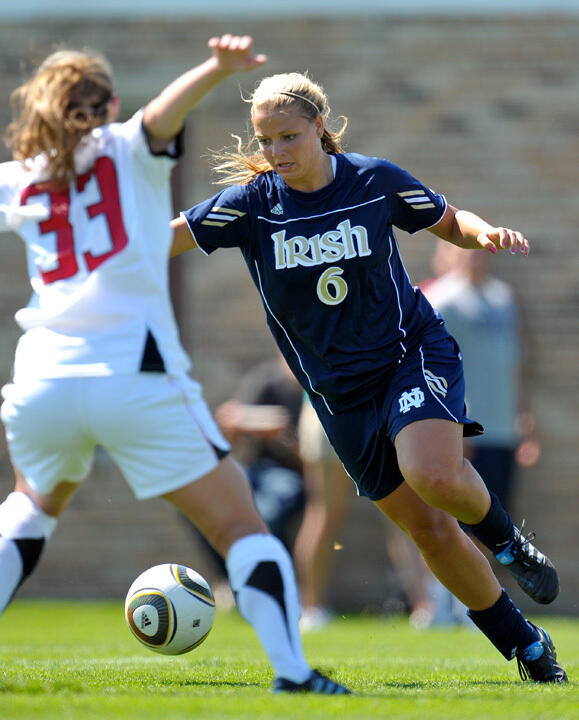 Senior All-America forward Melissa Henderson has collected seven points (2G-3A) in five exhibition matches during her Fighting Irish career.