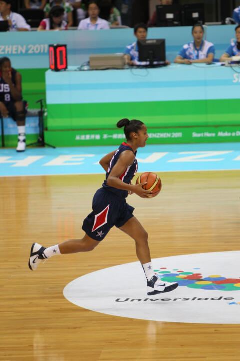 Notre Dame junior guard Skylar Diggins piled up 19 points (making 6-of-9 shots, including 3-of-4 three-pointers) and six assists as the United States won the gold medal at the 2011 World University Games with a 101-66 victory over Taiwan on Sunday night in Shenzhen, China.