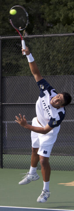 Junior Spence Talmadge picked up a pair of singles victories on Saturday at the Tom Fallon Invitational.
