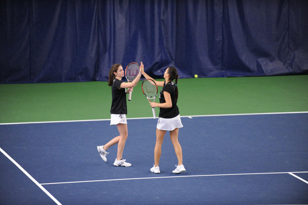 Kristy Frilling and Shannon Mathews advanced to the finals of the ITA Midwest Regional doubles championship, notching a pair of victories on Sunday.