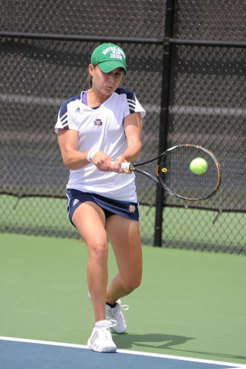 Julie Sabacinski moved one match closer to advancing into the singles main draw at the ITA Midwest Regional, defeating Alexa Pitt of Toledo, 6-2, 6-1, in her qualifying bracket round-of-32 matchup.