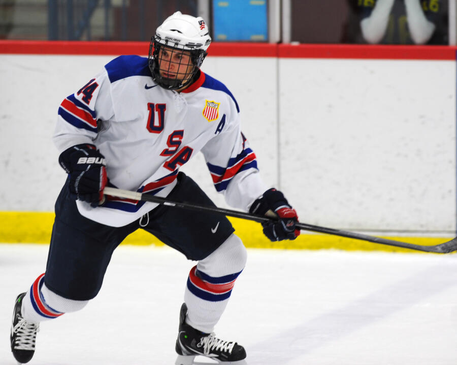 Center Thomas DiPauli from USA Hockey's Under-18 team is one of five players to sign a national letter-of-intent to play hockey at Notre Dame.