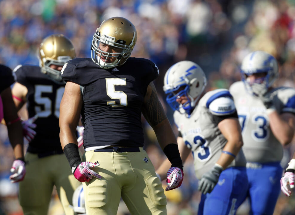 Junior linebacker Manti Te'o announced Sunday night he will remain at Notre Dame for his senior year.
