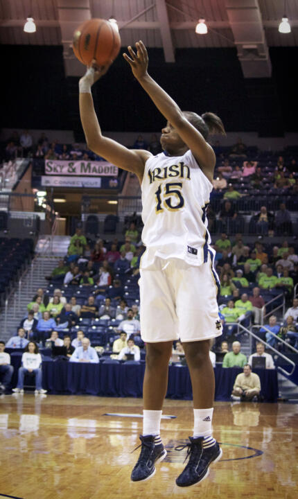 Junior guard Kaila Turner knocked down 4-of-5 three-point attempts on the way to 14 points in Notre Dame's 79-35 win over No. 21/25 St. Bonaventure in a NCAA Raleigh Regional semifinal on Sunday afternoon.
