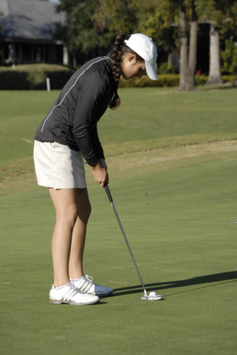 Freshman Ashley Armstrong tied for 15th at the Clover Cup tournament with a 54-hole total of 224.