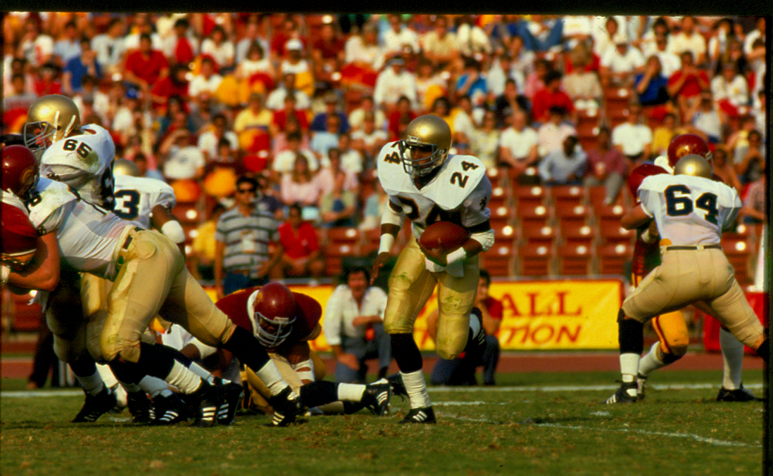 Mark Green rushed for 1,977 yards over his four-year Notre Dame career-capped off seven touchdowns, 646 yards rushing and a national championship as a senior tri-captain in 1988.