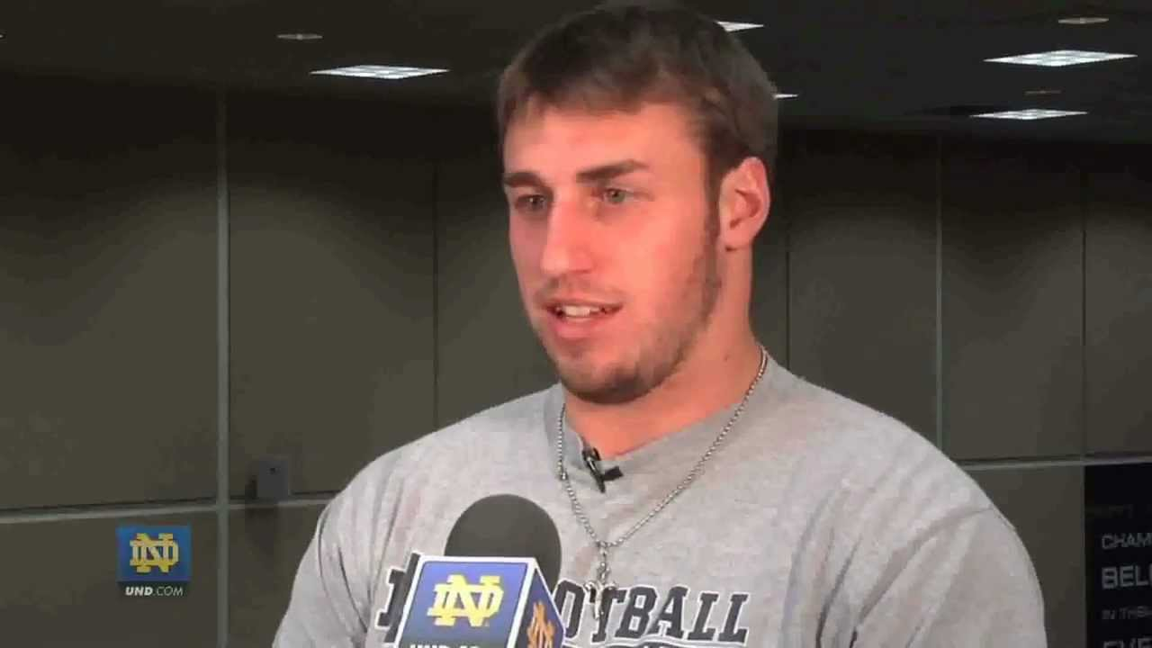 Building Up To BYU - Notre Dame Football Players
