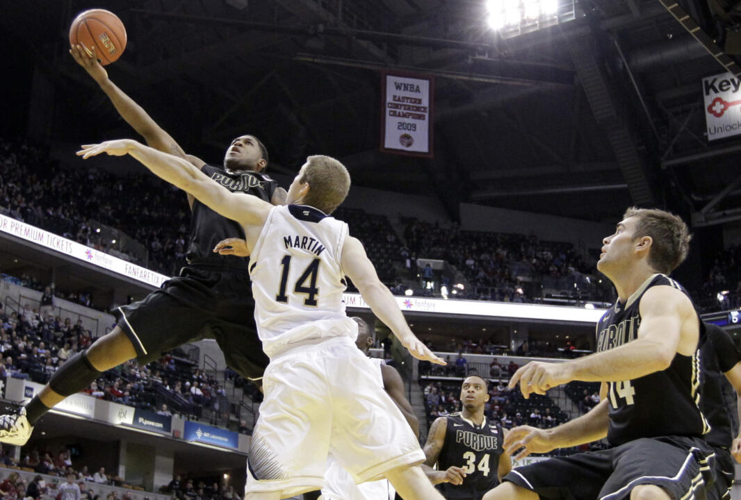 Notre Dame guard Scott Martin defends.