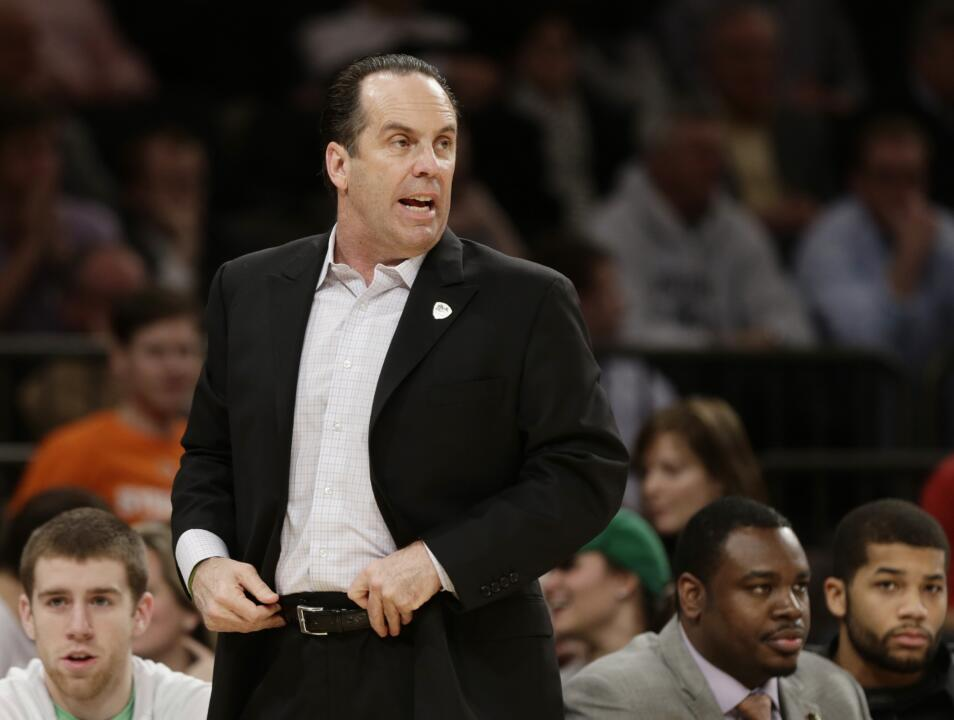 The show will give fans a behind-the-scenes look at head coach Mike Brey and the Fighting Irish men's basketball program.