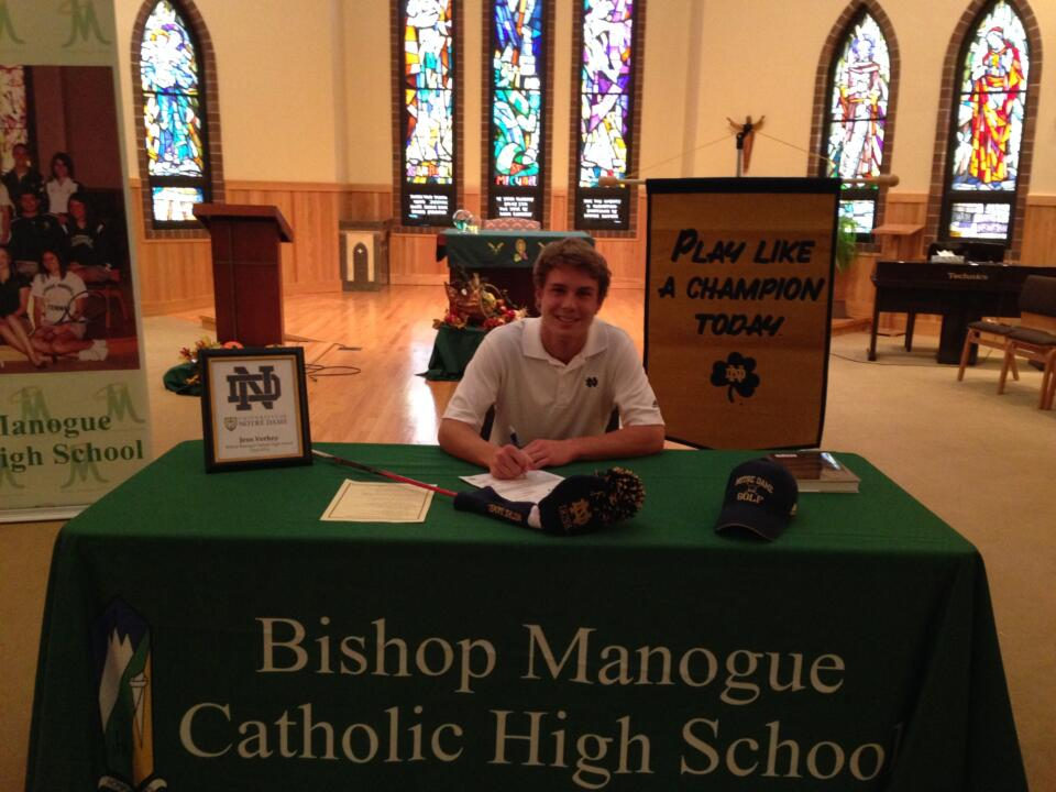 Jens Verhey signing his National Letter of Intent to join the Notre Dame men's golf program in 2014