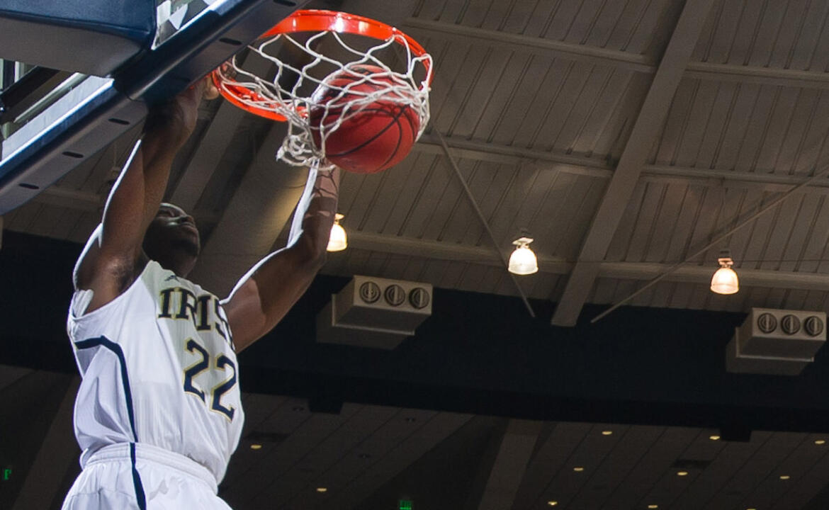 Jerian Grant dunks the ball.