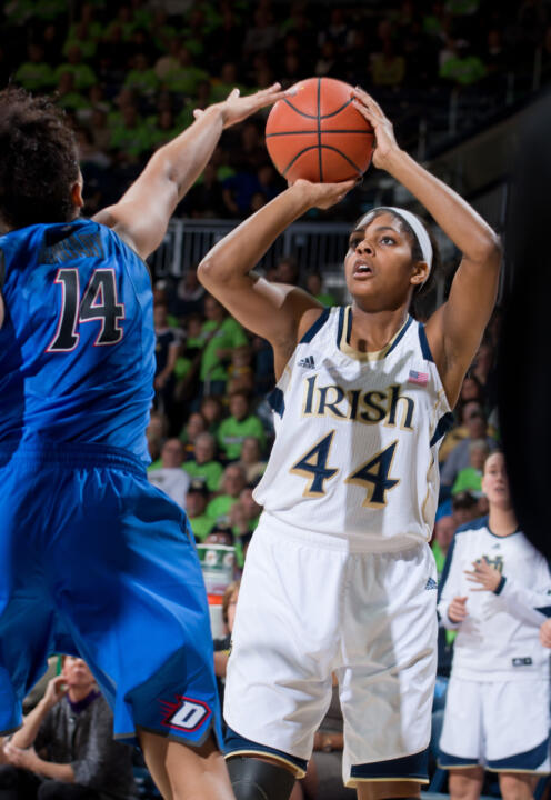Senior forward/tri-captain (and Grosse Pointe Woods, Mich., native) Ariel Braker leads the fourth-ranked Fighting Irish back to her home state this weekend, as Notre Dame visits regional rival Michigan at 7 p.m. (ET) Saturday in Ann Arbor.