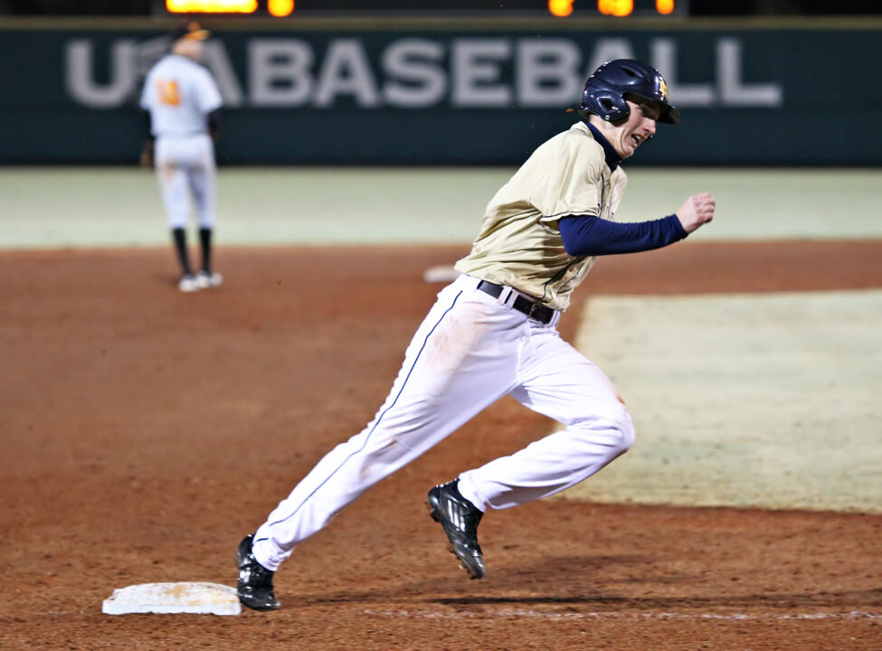 Sophomore Zak Kutsulis had a double, walk and run scored in Sunday's loss to No. 24 FAU.