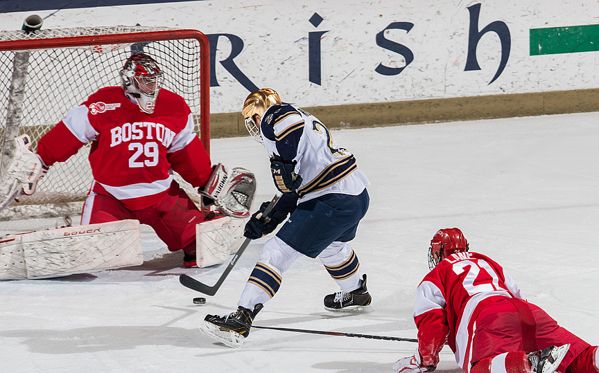 Irish Advance In Hockey East Playoffs With 3-2 Win Over