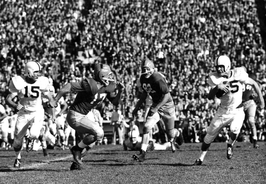 Jim Morse scored 12 touchdowns in his career and is one of only two Irish running back to catch passes for more than 1,000 yards in his career.
