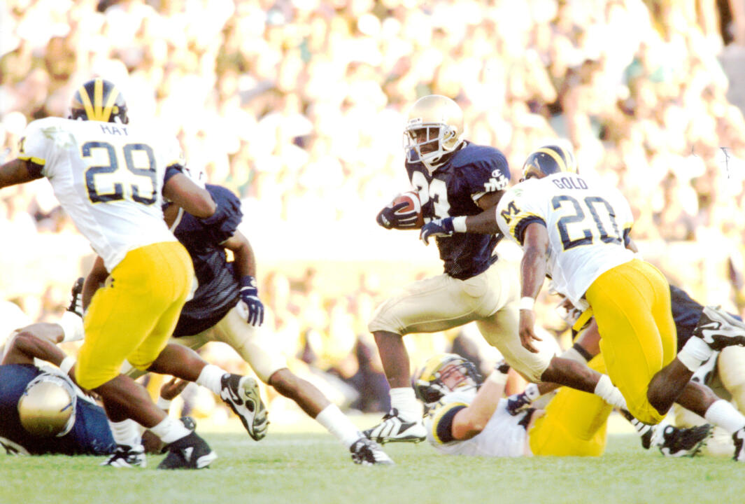 Autry Denson ran for 162 yards to help Notre Dame beat Michigan in 1998.