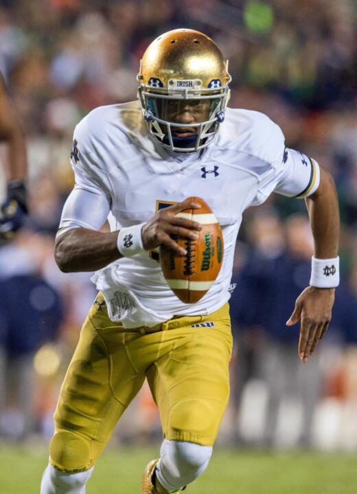 Everett Golson runs for a touchdown in the second quarter against the Navy.