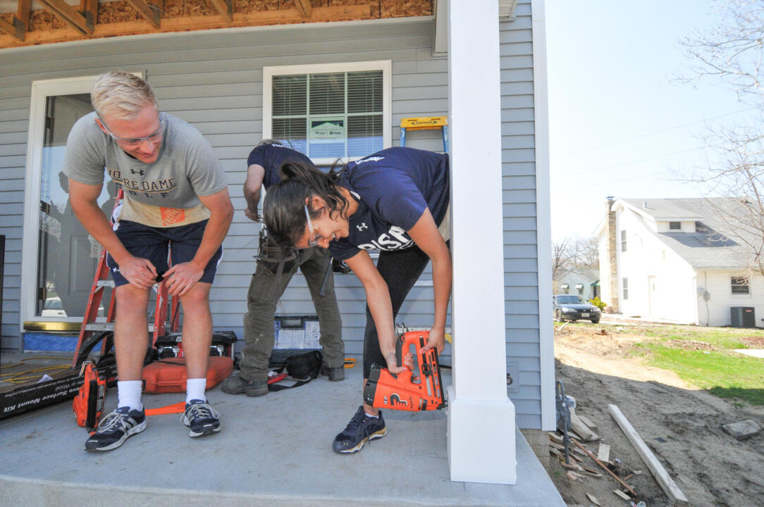 Notre Dame's Student-Athlete Advisory Council (SAAC) partnered with Habitat For Humanity of St. Joseph County to help build a home for a local family.