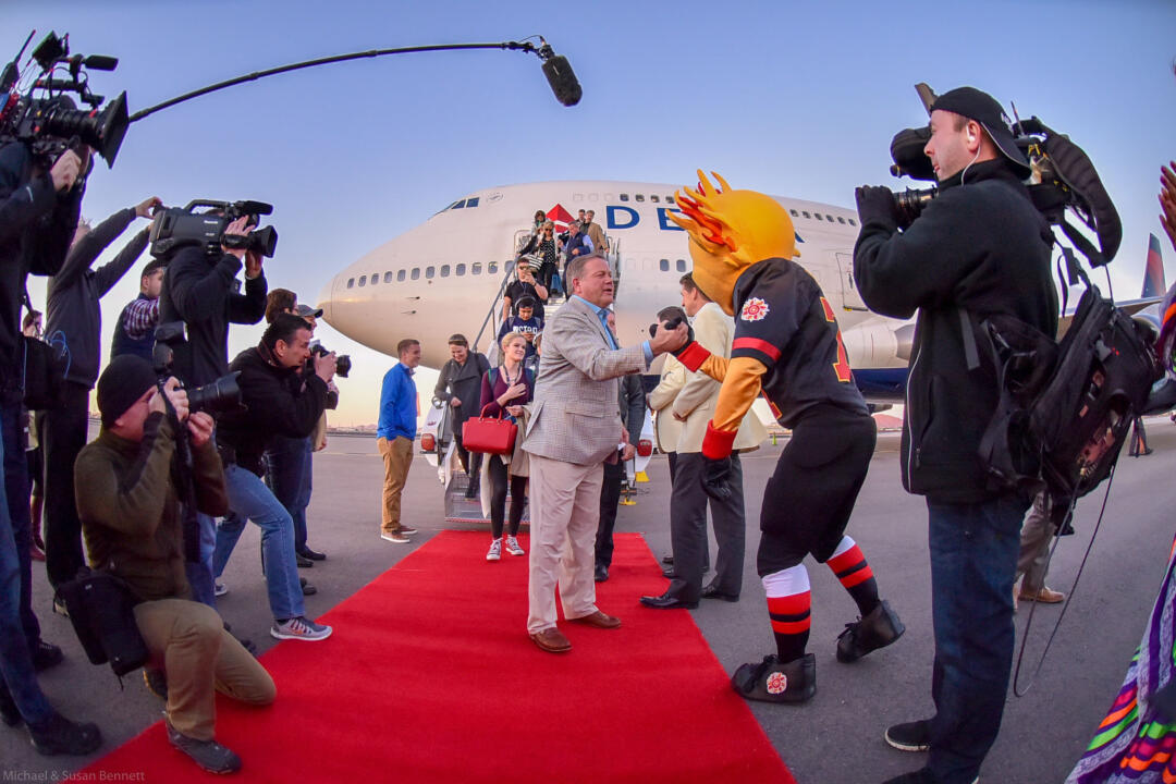 Fiesta Bowl mascot Spirit welcomed head coach Brian Kelly and the Irish to Arizona on Saturday.
