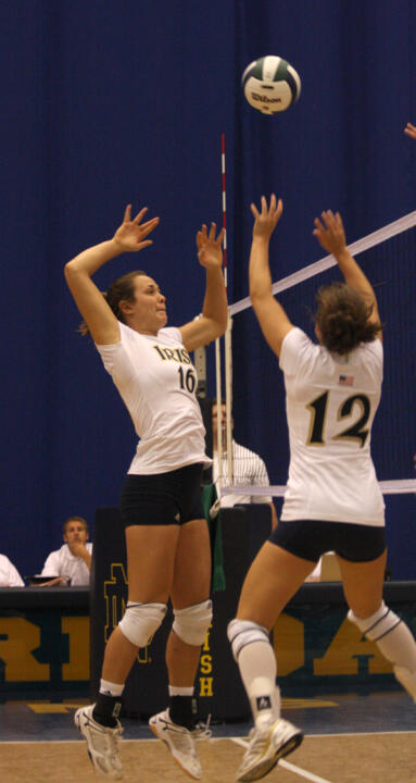 Volleyball Sweeps New Mexico State