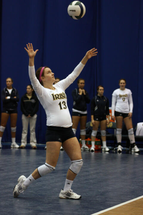 Volleyball Wins Over Cincinnati In Five Sets