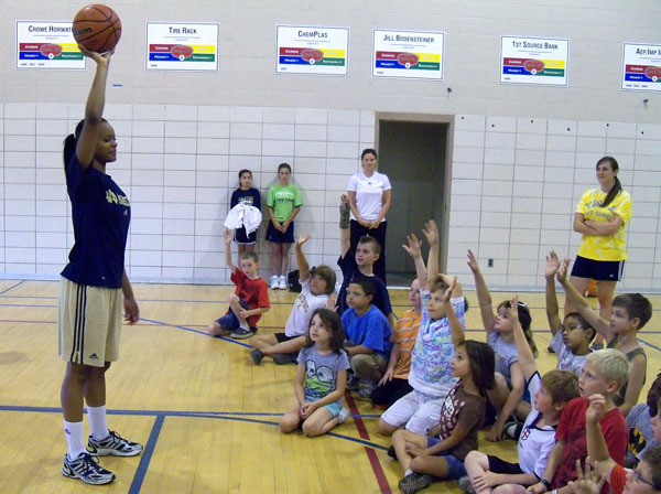 ND Women's Basketball Visits South Bend YMCA