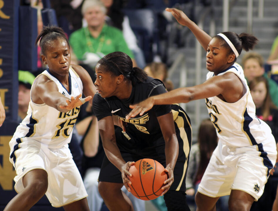 No. 3 Notre Dame Crushes UCF, 90-38 (AP)